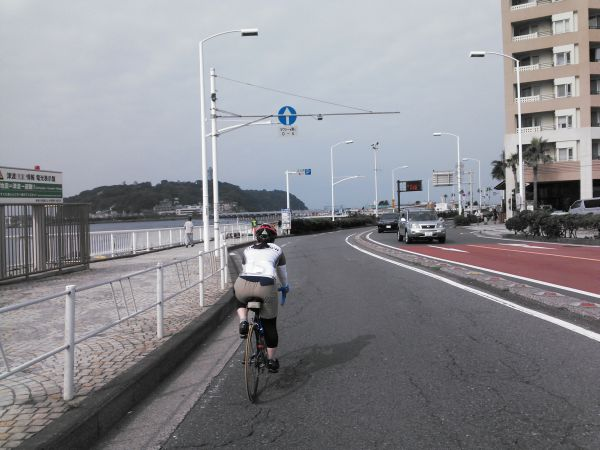 http://ayu2.com/Bicycle/bicphoto/140720%E4%B8%89%E9%80%A3%E4%BC%91015.jpg