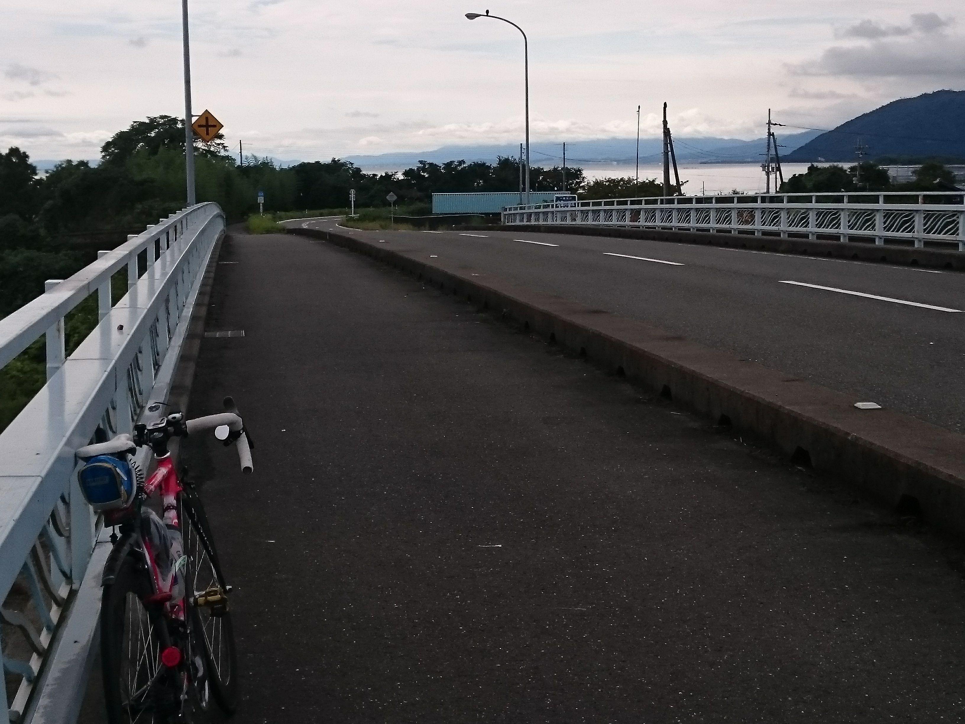http://ayu2.com/Bicycle/bicphoto/161001%E3%83%93%E3%83%AF%E3%82%A4%E3%83%81048.jpg