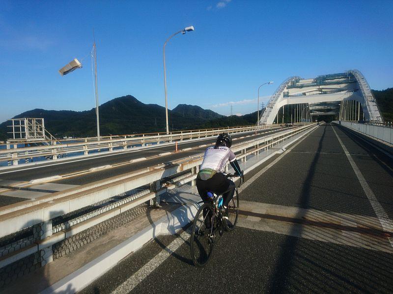 http://ayu2.com/Bicycle/bicphoto/181006%E3%81%97%E3%81%BE%E3%81%AA%E3%81%BF%E6%B5%B7%E9%81%93%E5%A6%BB%E3%82%AF%E3%83%AA%E3%83%B3%E3%82%B0085.jpg