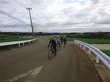 http://ayu2.com/Bicycle/bicphoto/181209%E4%B8%89%E5%B4%8E%E3%83%9E%E3%82%B0%E3%83%AD%E3%83%84%E3%83%BC%E3%83%AA%E3%83%B3%E3%82%B0003.jpg