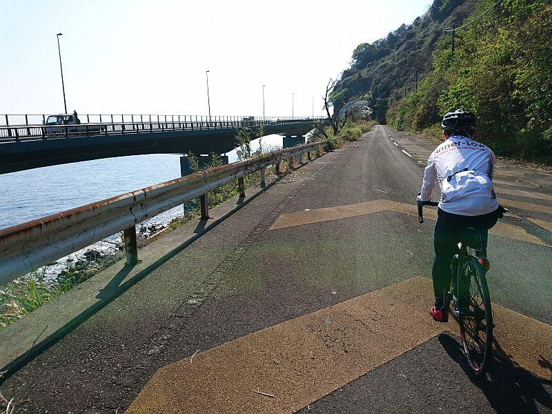 http://ayu2.com/Bicycle/bicphoto/190406%E4%BC%8A%E8%B1%86%E3%83%84%E3%83%BC%E3%83%AA%E3%83%B3%E3%82%B00005.jpg