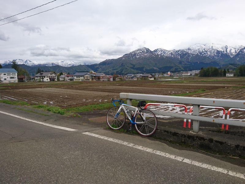 http://ayu2.com/Bicycle/bicphoto/190430%E6%A0%83%E7%AA%AA%E5%B3%A0%E5%8D%81%E4%BA%8C%E5%B3%A0001.jpg