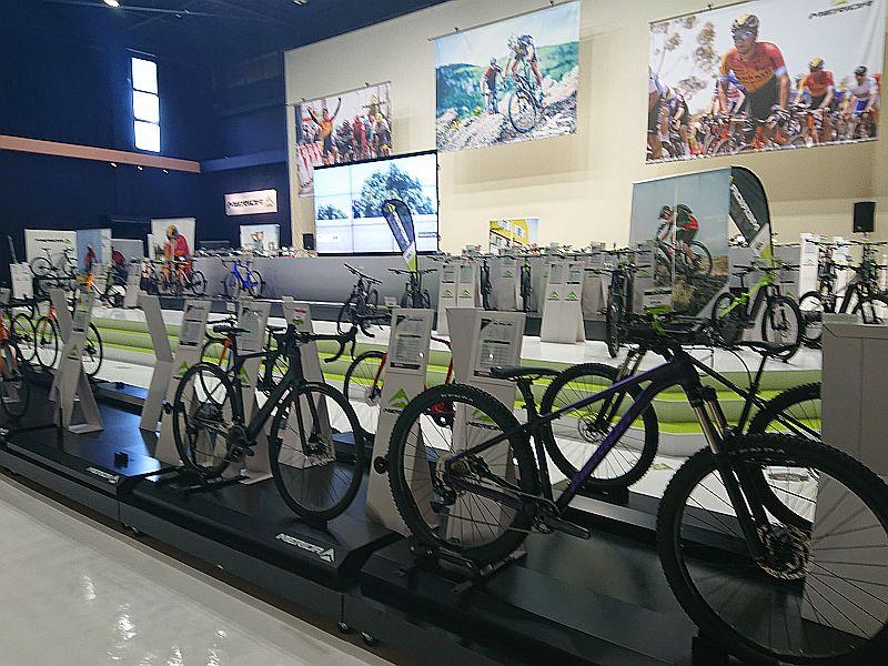 http://ayu2.com/Bicycle/bicphoto/201128%E4%BC%8A%E8%B1%86e-bike002.jpg