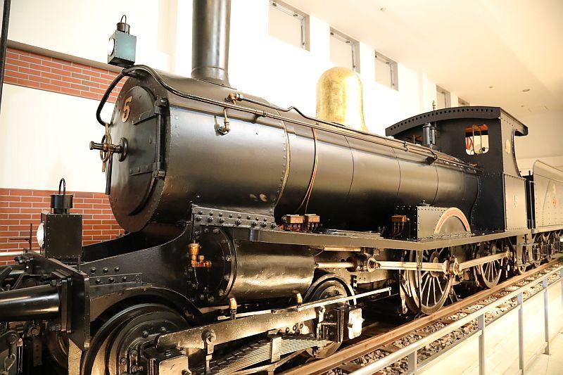 http://ayu2.com/train/trainphoto/180406001.jpg