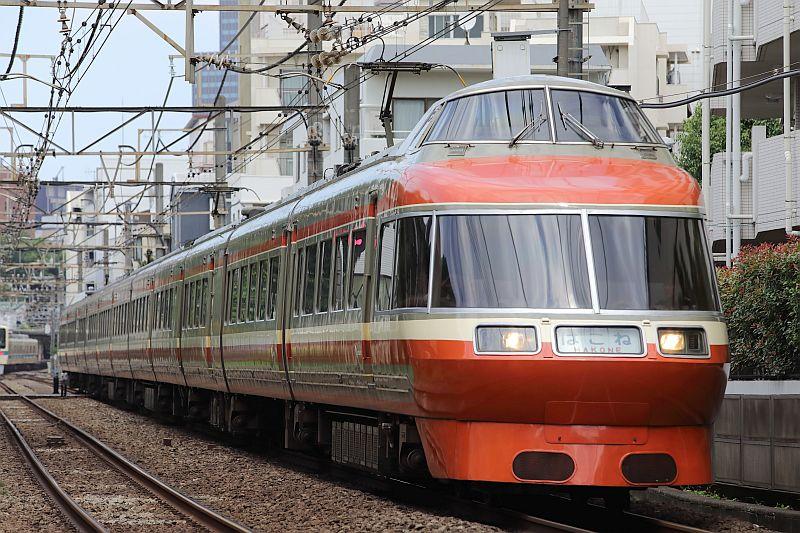 http://ayu2.com/train/trainphoto/180629LSE%E8%97%A4%E6%B2%A2037.jpg