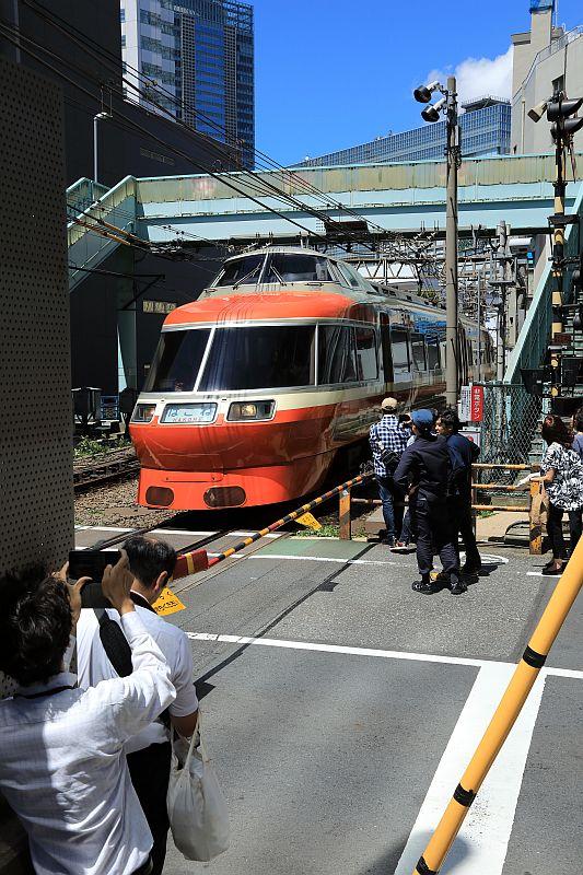 http://ayu2.com/train/trainphoto/180629LSE%E8%97%A4%E6%B2%A2041.jpg