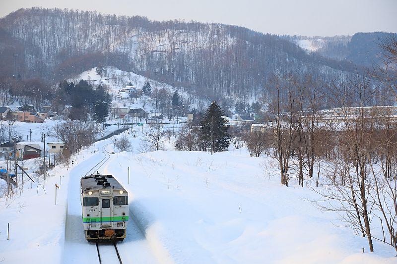 http://ayu2.com/train/trainphoto/190222%E5%A4%95%E5%BC%B5%E6%94%AF%E7%B7%9A%E6%92%AE%E5%BD%B1099.jpg