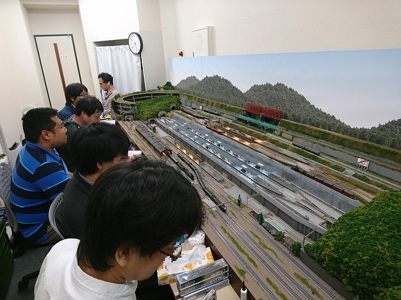 http://ayu2.com/train/trainphoto/191027%E3%81%BB%E3%81%BC%E6%88%A6%E5%89%8D%E3%81%A0%E3%81%91%E3%81%AE%E9%89%84%E9%81%93%E6%A8%A1%E5%9E%8B006.jpg