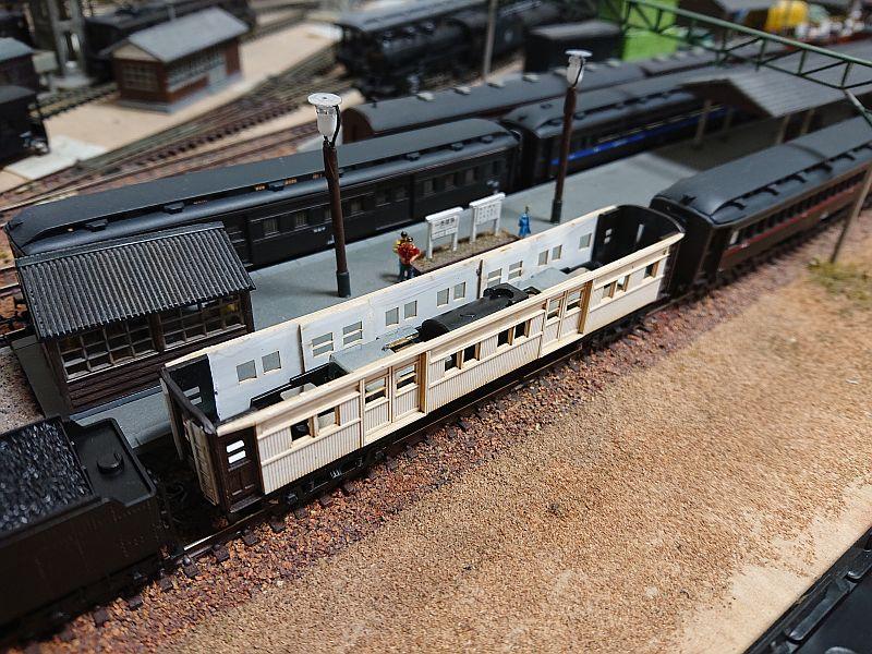 http://ayu2.com/train/trainphoto/210823%E5%A4%A7%E5%9E%8B3AB%E5%AE%A2%E8%BB%8A007.jpg